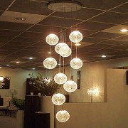 ZSAIMD Modernas y grandes lámparas de araña LED Escalera Globo largo Bola de cristal Lámpara de techo con 10 bolas Instalación de luz Iluminación para el hogar Isla de cocina Mesa de comedor Sala de e