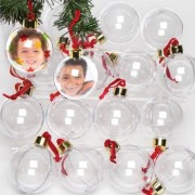 Baker Ross Fillable Photo Baubles - 32 Plastic Baubles in Bulk Pack. Size 75mm. 2-part baubles with card inserts. Include gold caps and red velvet ribbons.