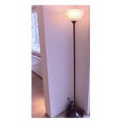 Lampadar cu lumina ambientala - simplu si eficient -