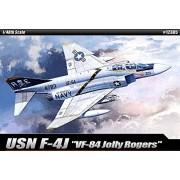 1/48 Usn F 4 J Vf 84 Jolly Rogers 12305 With 3 Lifelike Pilot Figures Plastic Model Kit