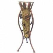 Vaza decorativa din plastic cu impletituri asezata pe un suport metalic decorat cu flori 20x62 cm