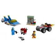 """ATELIERUL """"CONSTRUIESTE ŞI REPARA!"""" AL LUI EMMET SI BENNY - LEGO (70821)"""