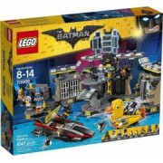 LEGO BATMAN - PATRUNDEREA IN BATCAVE 70909