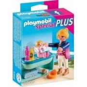 Mama si Copilul cu Masa de Schimbat Playmobil
