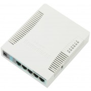 MikroTik MikroTik RouterBOARD 951G-2HnD with 600Mhz CPU, 128MB RAM, 5xGbit LAN, built-in 2.4Ghz 802b/g/n 2x2 two chain wireless with integrated antennas, desktop case, PSU, RouterOS L4