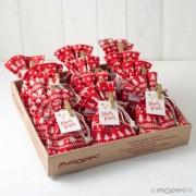 Expositor con 32 bolsas navideñas con 4 torinos