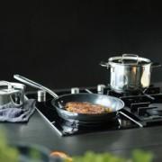 Tigaie inox Fiskars All Steel+, 28 cm, optimizata pentru inductie