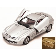 Diecast Car & Accessory Package - Mercedes Benz SLR McLaren, Silver - Motormax 73306 - 1/24 scale Diecast Model Toy Car w/display case