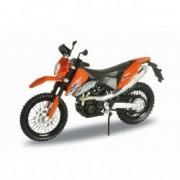 Motocicleta miniatura KTM 690 portocalie