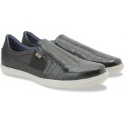 Arrow Casual Slip On Loafers For Men(Black)