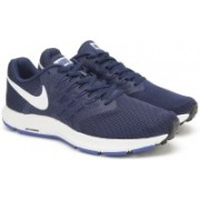 Nike NIKE RUN SWIFT Running Shoes For Men(Blue)