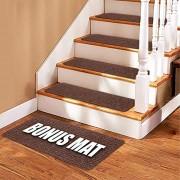 Whistler Alfombra antideslizante para escaleras + cinta adhesiva de doble cara Juego de 13 peldaños antideslizantes para escaleras de madera (30 x 8 pulgadas), Marrón