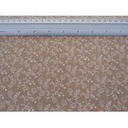 Material bumbac patchwork - duett - floricele albe pe bej - 140cm lat, pret/0,5m