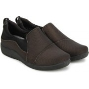 Clarks Sillian Paz Bronze Casuals For Women(Brown, Black)