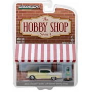 BRAND NEW DIECAST 1:64 THE HOBBY SHOP SERIES 3 - 1955 CHEVROLET BEL AIR WITH WOMAN FIGURE 97030-B BY GREENLIGHT