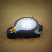 Elemes nyomógombos éjszakai gyerek lámpa pingvin 10 cm