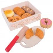 Cutiuta micului patiser, alimentele si accesoriile sunt realizate integral din lemn