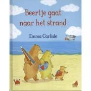 Beertje gaat naar het strand - Emma Carlisle