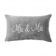 MR. & MRS. Sametový polštář Mr. & Mrs.