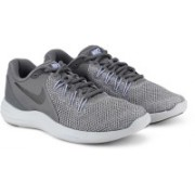 Nike WMNS NIKE LUNAR APPARENT Running Shoes For Women(Grey)