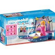 Playmobil Family Fun, Cantareata pe scena
