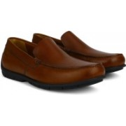 Clarks Verado Lane Tan Leather Loafers For Men(Tan)