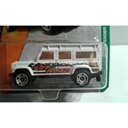 Matchbox Set of 2 - Land Rover Defender 110 - 1 White + 1 Black/Orange by MatchboxToyCar