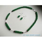 Set colier şi cercei din jad verde faţetat şi granat cu accesorii din argint
