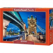 2000 EL. Tower Bridge, Londyn