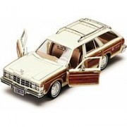 1979 Chrysler LeBaron Town & Country Wagon, White With Woodie Siding - Showcasts 73331 - 1/24 Scale Diecast Model...