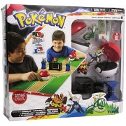 TOMY Catch 'n' Return Poke Ball Competition Set