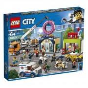 Конструктор Лего Сити - Отваряне на магазин за понички LEGO City Town, 60233
