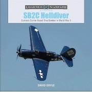 SB2C Helldiver Curtisss CarrierBased Dive Bomber in World War II par Doyle & David