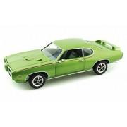 1969 Pontiac GTO Judge 20th Anniversary, Lime Light Green Metallic - Auto World ERTL AMM960 - 1/18 scale Diecast Model Toy Car