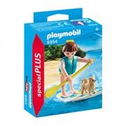 Playmobil Special Plus, Figurina surfer si catel