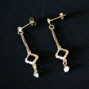 Semi Earring Jewelry Gold Plated Rhinestone Stick on Base with Stone Hollow Square and Strass