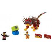 ULTRAKATTY SI RAZBOINICA LUCY! - LEGO (70827)