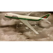 Allitalia Airlines Boeing 747 Jet Plane 1:600 Scale Die-cast Plane Made in Germany