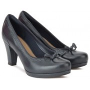 Clarks Chorus Bombay Navy Leather Slip On For Women(Navy)