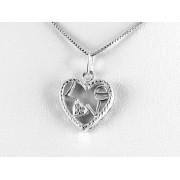 Mintás szélű, Love feliratú ezüst szív medál