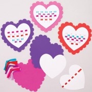 Baker Ross Heart Weaving Kits - 6 Weaving Cards For Kids. Valentines Arts and Crafts. Size 16cm.
