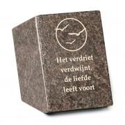 Gedenksteen: Het verdriet verdwijnt, de liefde leeft voort — Jasberg / Goud (nacalculatie) / Voorbeeld tekst