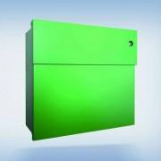 Radius Design Letterman 4 Briefkasten grün (RAL 6018) mit Klingel in blau mit Pfosten in Briefkastenfarbe