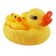 YiZYiF Pack 4 Cute Yellow Duck Family Bath Toy Set Bath Tub Floating Rubber Ducks Squeaky Kids Toy