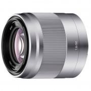 Sony SEL50F18 Objetiva E 50mm F 1.8 OSS Tipo E Prateada