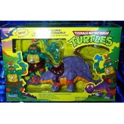 "Teenage Mutant Ninja Turtles Cave-Turtle Mike and Silly Stegosaurus 4"" Figure Set"