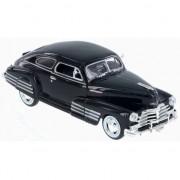 Motormax Modelauto Chevrolet Aerosedan Fleetline 1:24