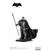 Batman v Superman: Dawn of Justice Battle Damaged Armored Batman 1:10 Scale Statue