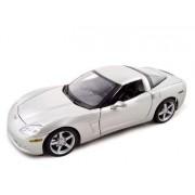 2005 Chevrolet C6 Corvette 1:18 Diecast Coupe Silver