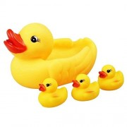 Allkindathings Children Bathtime Floating Squeaky Yellow Ducks with 3 Ducklings and Mother Duck